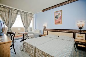 Andalusia Beach Hotel - Image3