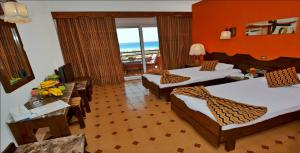 Aida Beach Hotel - Image3