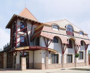 Hotel Kumánia - Image1