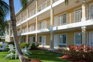 Sunshine Suites Resort - Image1