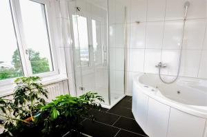 Hotel Sonnenberg - Image4