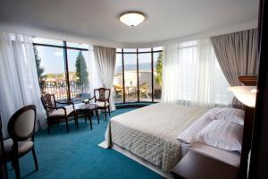 Aleksandrovskiy Grand Hotel - Image3