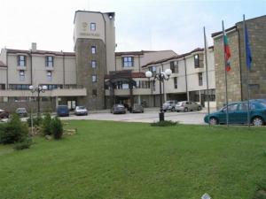 Troyan Plaza - Image1