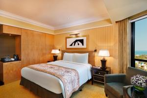 The Ritz-Carlton Bahrain Hotel and Spa - Image3