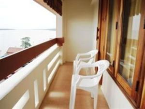 Riverfront Hotel Mukdahan - Image4