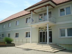 Major Hotel És Palóc Apartmanház - Image1
