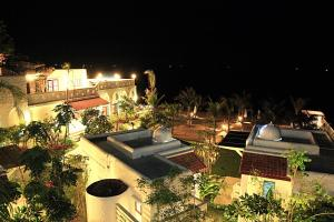 Baan Montra Beach Resort - Image1