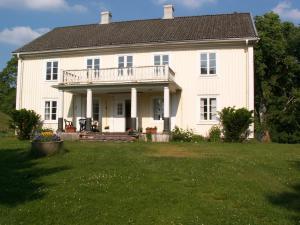 Sagolika Höö - Image1