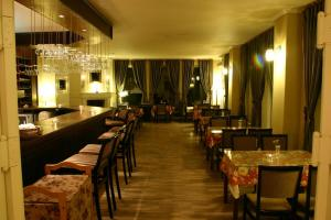Hotel November - Image2