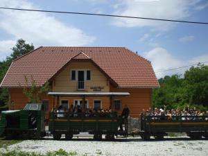 Aranytölgy Szálló - Image1