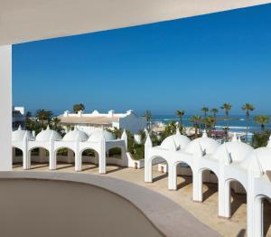 L  Amphitrite Palace Resort and Spa - Image1