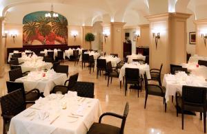 L  Amphitrite Palace Resort and Spa - Image2