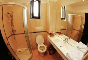 Hotel Baia Rosie Resort - Image4