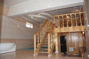 Is Hotel - Image4