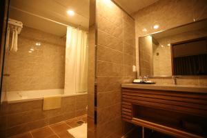 Hyunjin Tourist Hotel - Image4
