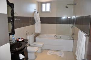 Suites Hotel Omeya - Image4