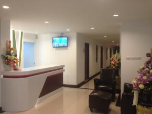 Praiyanan Place Hotel - Image2
