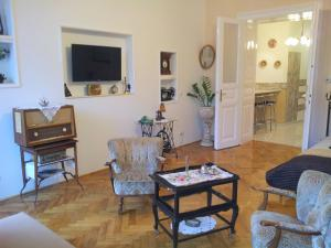 Apartment Terez Krt 31, ,