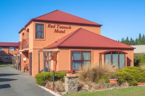 Red Tussock Motel, ,
