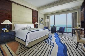 Four Seasons Hotel Bahrain Bay - Image3