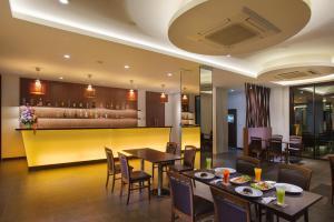 Coco View Hotel - Image2