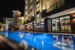 Coco View Hotel - Image4