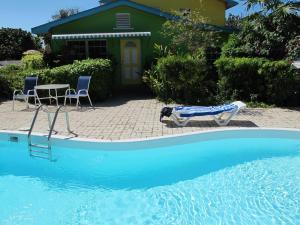 Eldemire s Tropical island Inn - Image1
