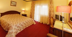 Golden Orchid Hotel - Image3