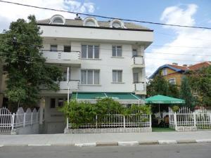 Niko Hotel - Image1