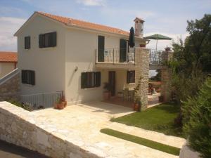 Apartments Villa Brumnic - Image1