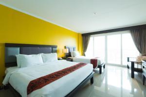 Royal Phala Cliff Beach Resort - Image3