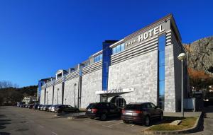 Hotel Diadem - Image1