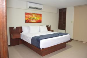 The Plaza Suites - Image3