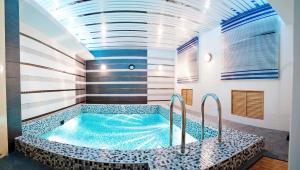 Nadezhda Hotel - Image4