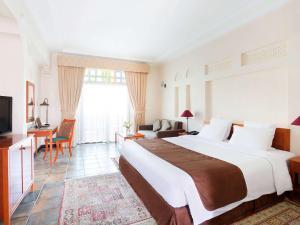 Novotel Al Dana Resort - Image3