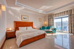 Paradise Bay Hotel - Image3