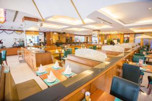 Seeharaj Hotel - Image2