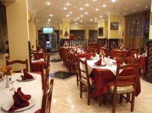 Al Safeer Hotel - Image4