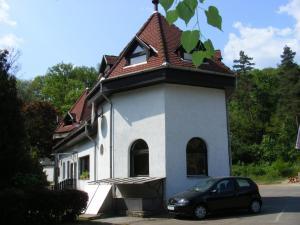 No. 1 Hotel és Vendégház - Image1