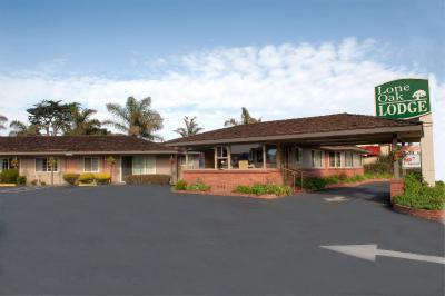 Lone Oak Lodge (隆恩橡木酒店)
