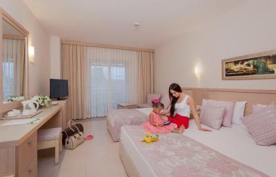 Can garden resort turkei side bookingcom for Katzennetz balkon mit hotel can garden side