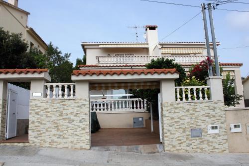 Villa Dorada - Barbacoa y Jardin