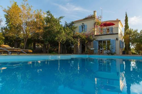 Sea View Pool Villa with Independent Guest house