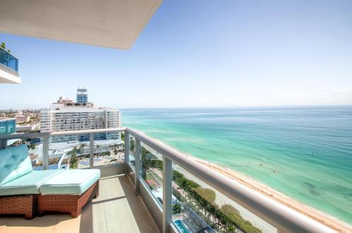 蒙特卡洛迈阿密海滩丘吉尔套房酒店
