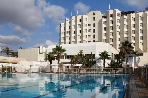 棕榈滩里莫尼酒店