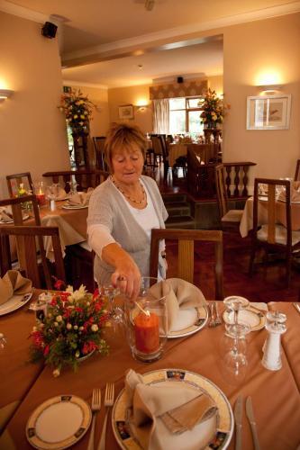 哈诺拉小屋旅馆及餐厅