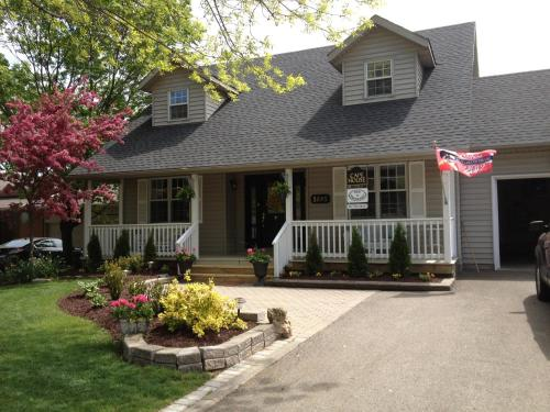 Cape House Bed and Breakfast