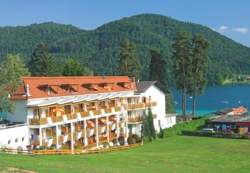赖克曼特拉森酒店