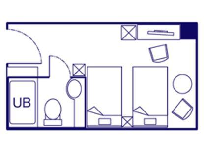 冰箱,带绿茶包的电热水壶以及带吹风机和拖鞋的连接浴室.