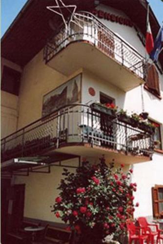 Cortina d 39 ampezzo hotel convenienti for Hotel meuble royal cortina